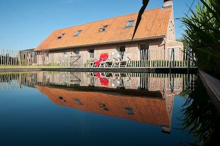 Grimminckhof, vakantiehuis tot 13 personen - Poperinge