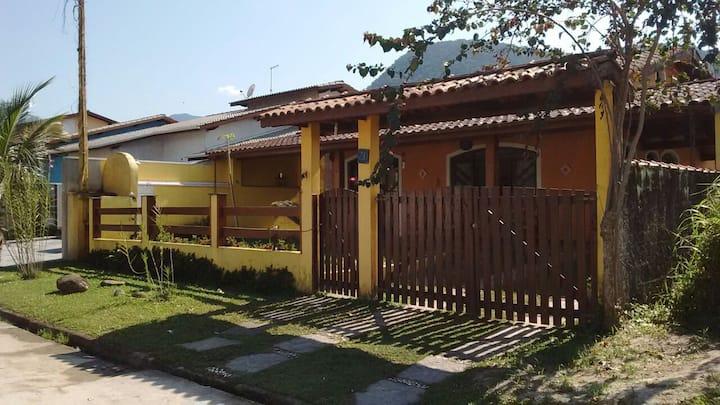 Casa em condomínio fechado Caraguatatuba