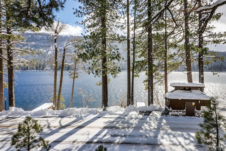 Dog-friendly, waterfront cabin w/ lake views & access - close to slopes