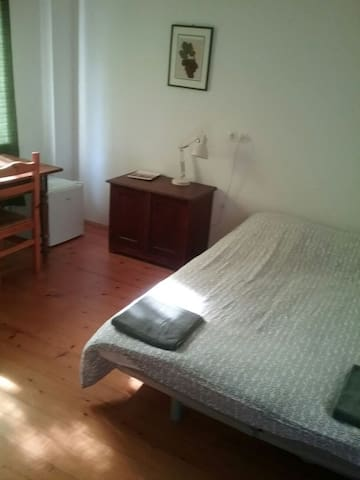 Small room in the old renovated barn - Brezje - Studentrum