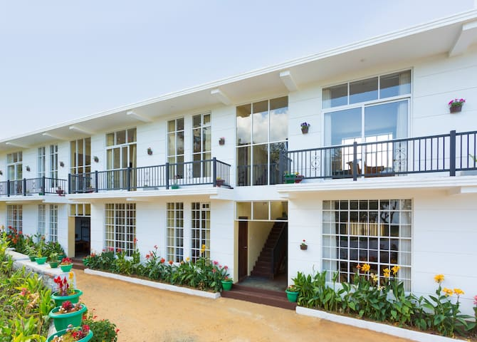 Ovi Court Apartment with Balcony - Nuwara Eliya