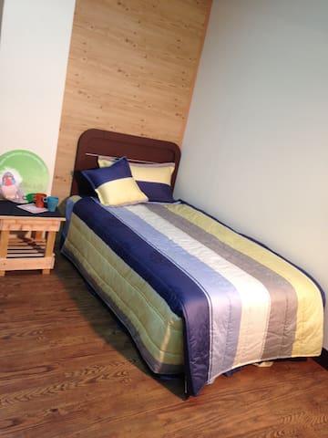 歡迎出差及單獨旅行的朋友!乾淨、舒適、安靜!每晚只需600元 - 頭份鎮
