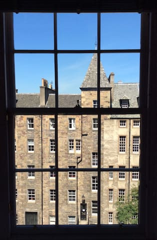 Royal mile one bedroom flat