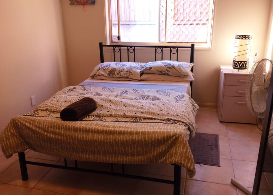 Spacious Room with table and wardrobe with A/C and WIFI