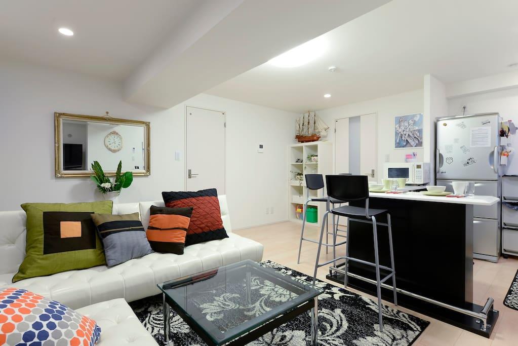 Large open plan living/dining/kitchen