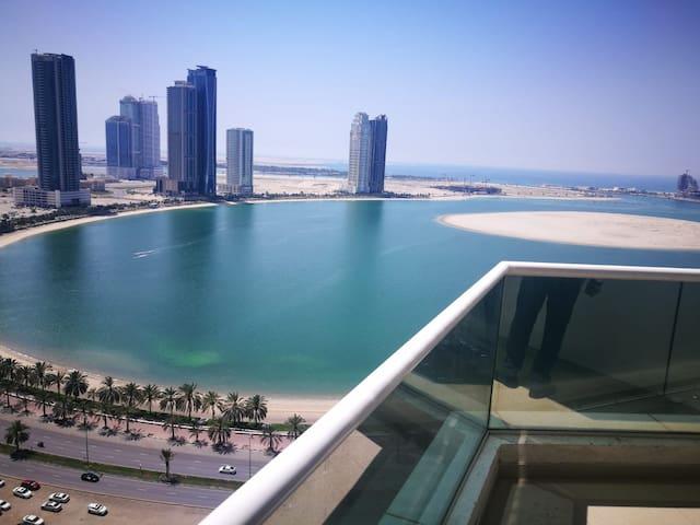 Luxury sea view bedroom 10 kms to airport