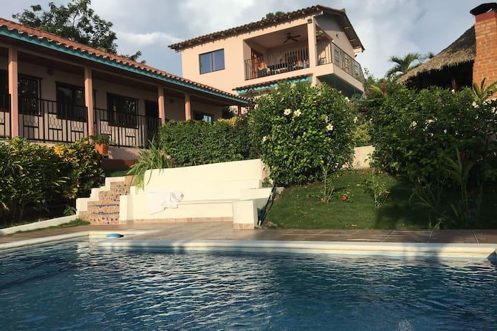 Villa Camino Alto