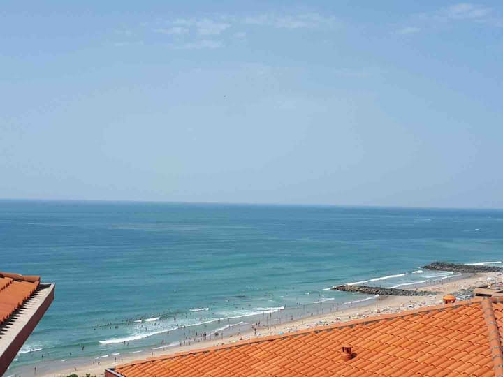 T3 vue mer, avec Piscine dans résidence Mer & golf