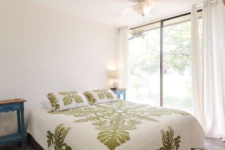 Turtle Bay Condo - Apartment