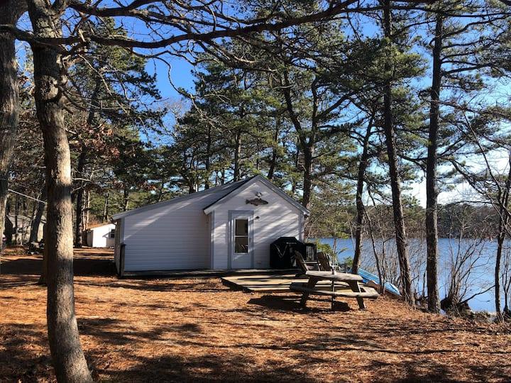 Waterfront Cottage on White's Pond(Graham Cracker)