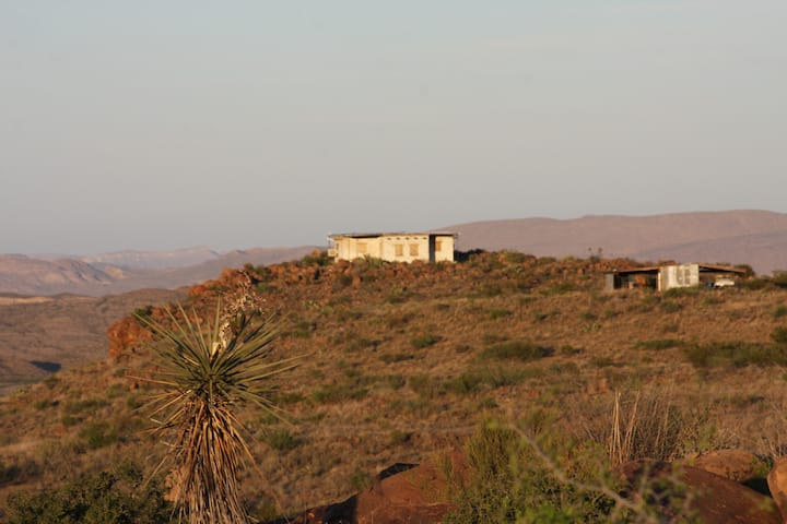 Mesa Hideout, Off-Grid Adobe in Terlingua Ranch