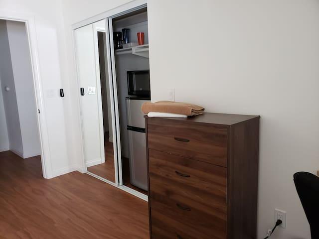 6B Big Private Room, Bathroom, Free Wifi LAX Beach
