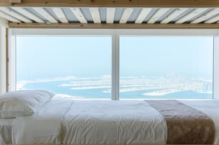Female room! 66th Floor Dubai Marina!2000+Reviews!