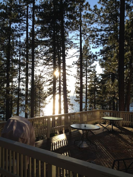 Lake front tahoe retreat case in affitto a zephyr cove for Animali domestici della cabina del lake tahoe