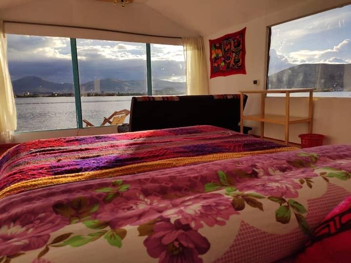 Uros Quechua - Lake Titicaca