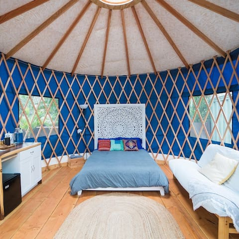 The Sunset Yurt: Zen Studio Steps to the Beach