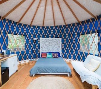 The Sunset Yurt: Zen Studio Steps to the Beach