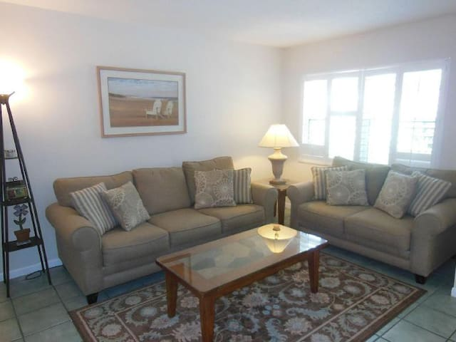 Serenity by the Beach - Fort Myers Beach - House