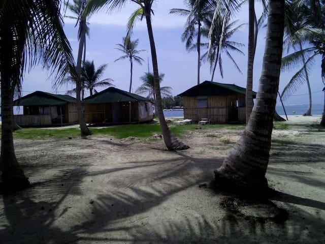 Day Tour in San Blas Panama or Sleep