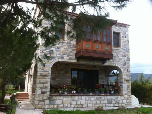 Cumbalı Taş Ev/Oda Kahvaltı - Urla - วิลล่า