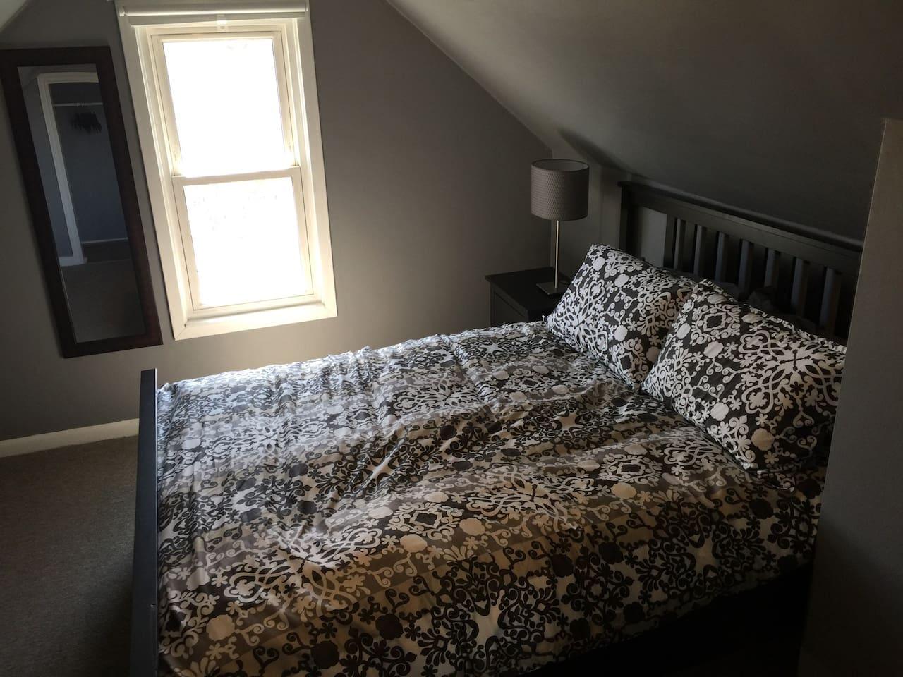 Super clean. High end beddings