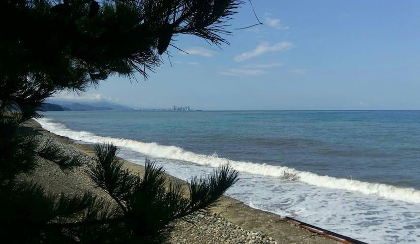 Домик у моря (комната с выходом прямо на пляж)