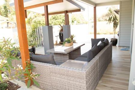 Beachside, family friendly house - Warana