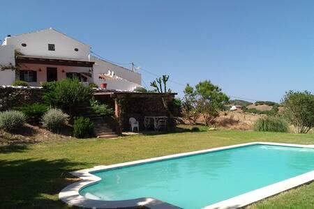 Casa en el campo con piscina - 埃斯梅爾卡達爾
