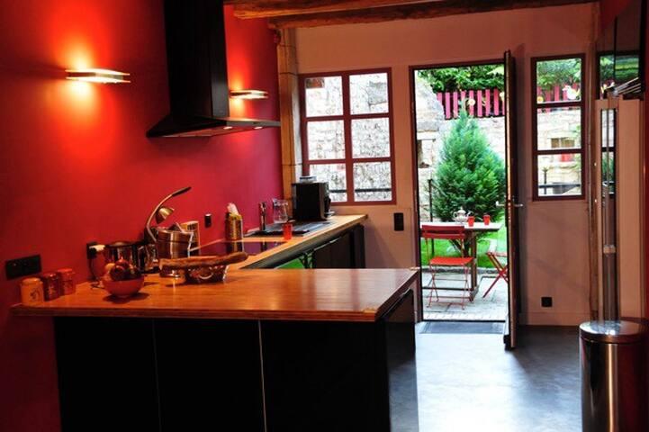 Maison calme à Bèze en Bourgogne - Bèze