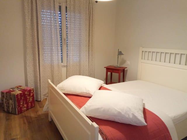 Maison  3 chambres (6 personnes) Rouillac centre