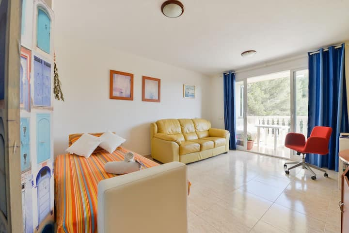 Cozy Sofa Bed close to Beach/City in Santa Eulalia