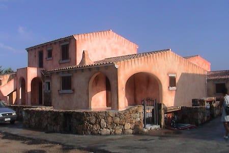 San teodoro. Casa vacanze vicino a spiaggie - Case Peschiera-lu Fraili - Ferienunterkunft