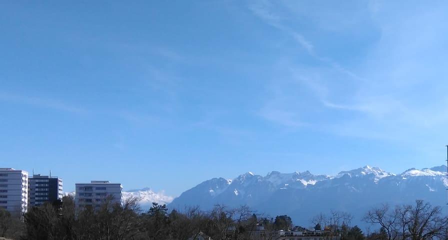 Appartement 3 pièces avec vue sur les montagnes