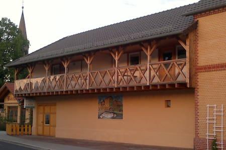 1 A Ferienwohnung Goller Haus Hammermühle 2-4 Pers - Senftenberg