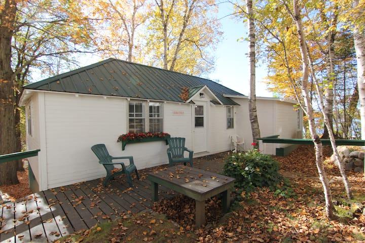 Birches Cottage at Birch Cliff Lodge