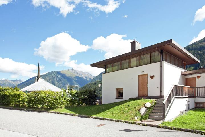 Cozy Holiday Home in Wald im Pinzgau with Swimming Pool