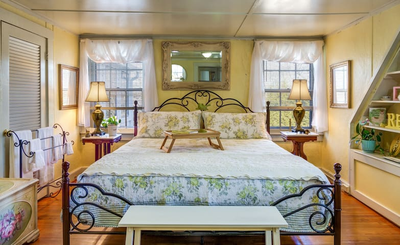 The Sunshine Suite features one room with a Queen bed