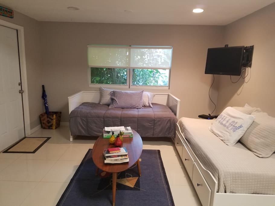 front door/two twin-size beds