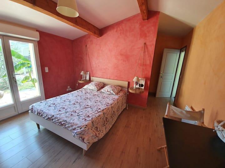 Chambre et douche privées  + terrasse