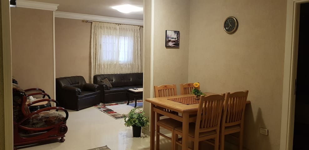 Clean, Central and Cosy Private Flat in Sporting