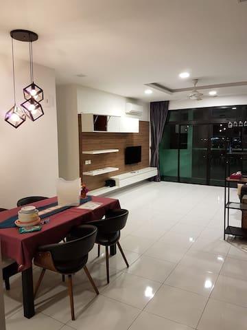 Skyloft premium suit Highend apartment bukit indah