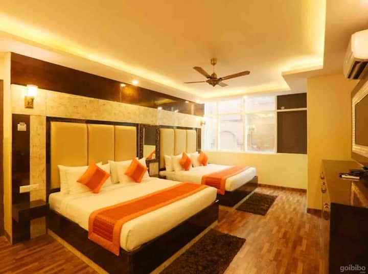 Hotel Plazzo Inn