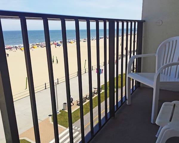 Barclay Towers Oceanfront Suites