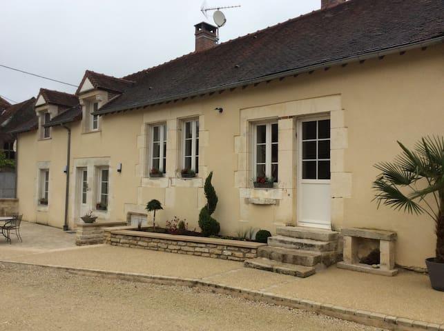 Chambre chez le vigneron 2 - Avirey-Lingey - Huis