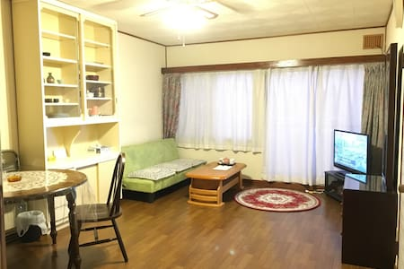 spacious room close to JR station/WIFI parking lot