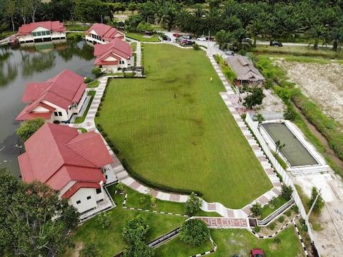Anggerik Lake Villa Ladang MOCCIS