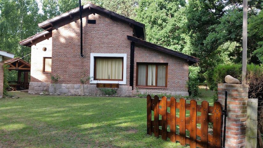 Alquilo Exclusiva CasaDeCampo En San Huberto,Nono. - Córdoba - Huis