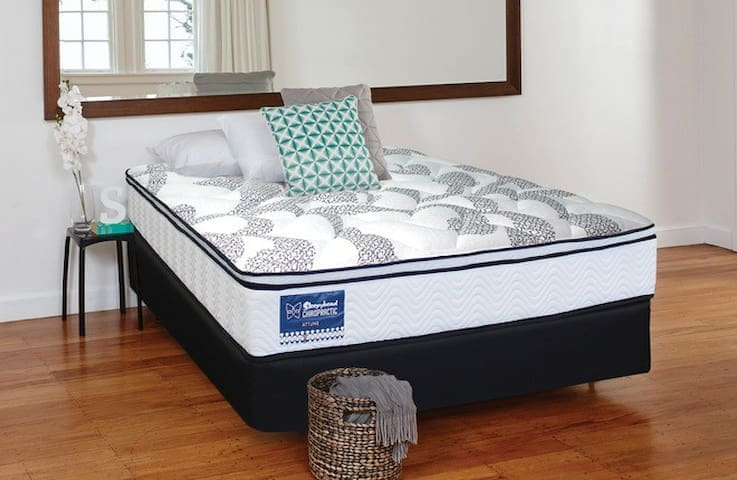Get a good nights rest on a Queen size Chiropractic bed.