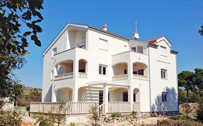 Apartment Anđelka (57821-A2) - Brodarica - Apartment