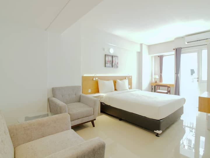 "Sentraland Karawang ""Super Cozy Stay"""